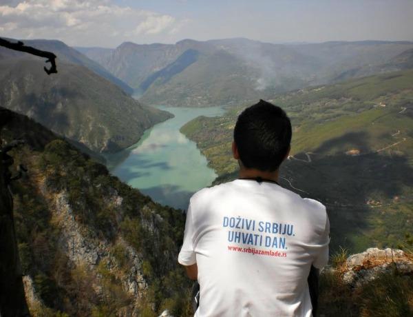 Dozivi Srbiju Uhvati Dan Wannabe intervju: Srbija za mlade