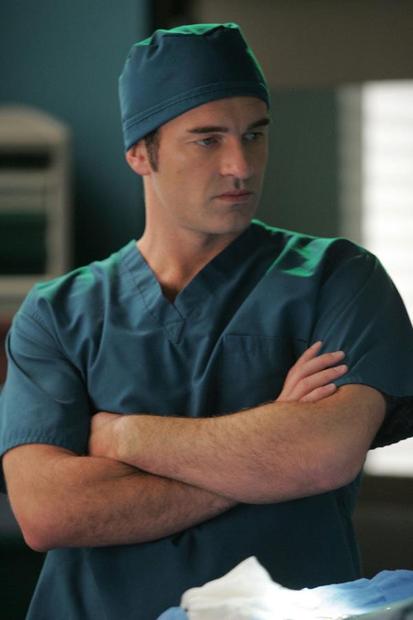 Hirurg u zelenom odelu Neodoljivi šarmeri u belom: Top pet TV doktora
