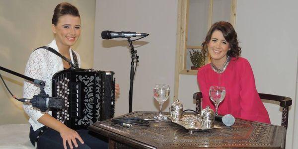 Ilma i Emina Mahmutbegovic za stolom Wannabe talenti: Ilma i Emina Mahmutbegović