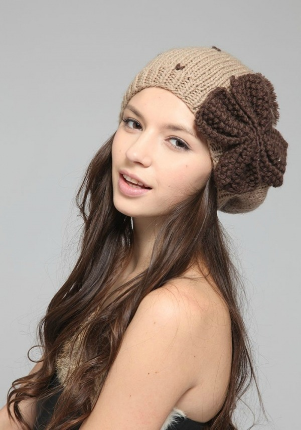 Kapice koje podsecaju na  skolu su opet aktuelne Sedam šešira koje možete poneti ove jeseni