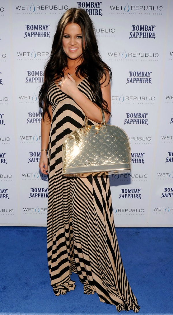 Khloe Kardashian 5 One to nose ovako: Metalik