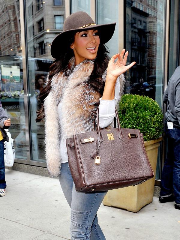 Kim Kardashian 1 One to nose ovako: Šeširi