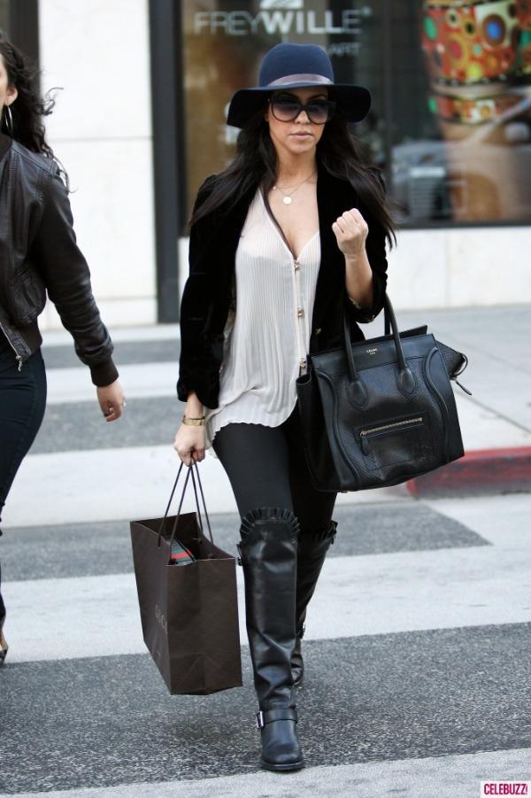 Kourtney Kardashian 7 One to nose ovako: Šeširi