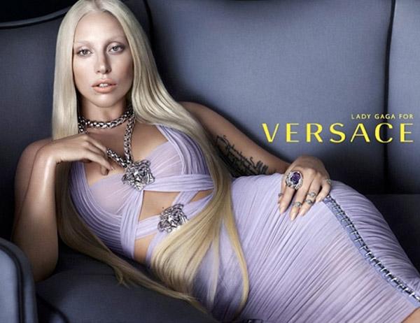 Lady Gaga Versace FTAPE.COM  Lady Gaga novo lice modne kuće Versace