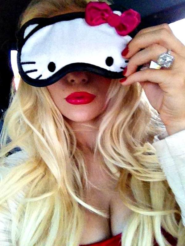 Maska za spavanje Hello Kitty Modna opsesija dana: Maska za spavanje Hello Kitty