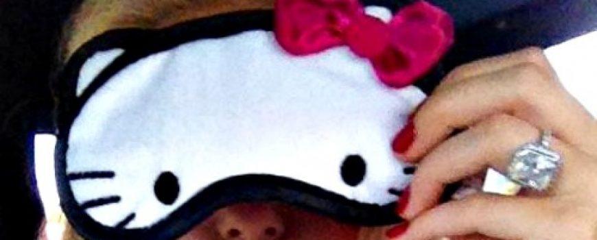 Modna opsesija dana: Maska za spavanje Hello Kitty