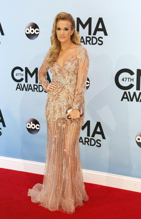 RT CarrieUnderwood 1 Fashion Police: CMA Awards 2013