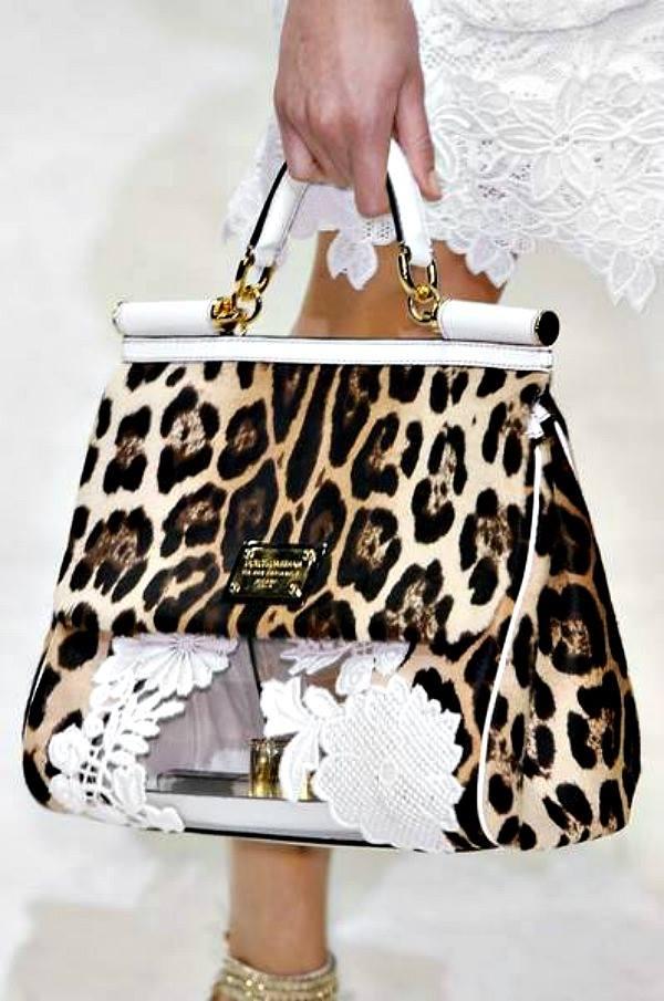 Tasna leopard printa DolceGabbana  Modna opsesija dana: Tašna leopard printa Dolce & Gabbana