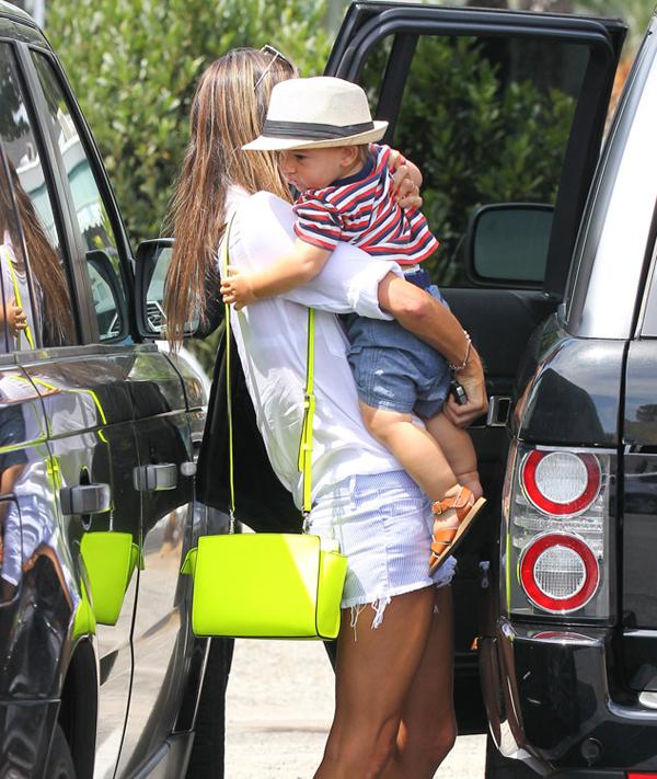 The Many Bags of Alessandra Ambrosio 22 Sve torbe: Alessandra Ambrosio
