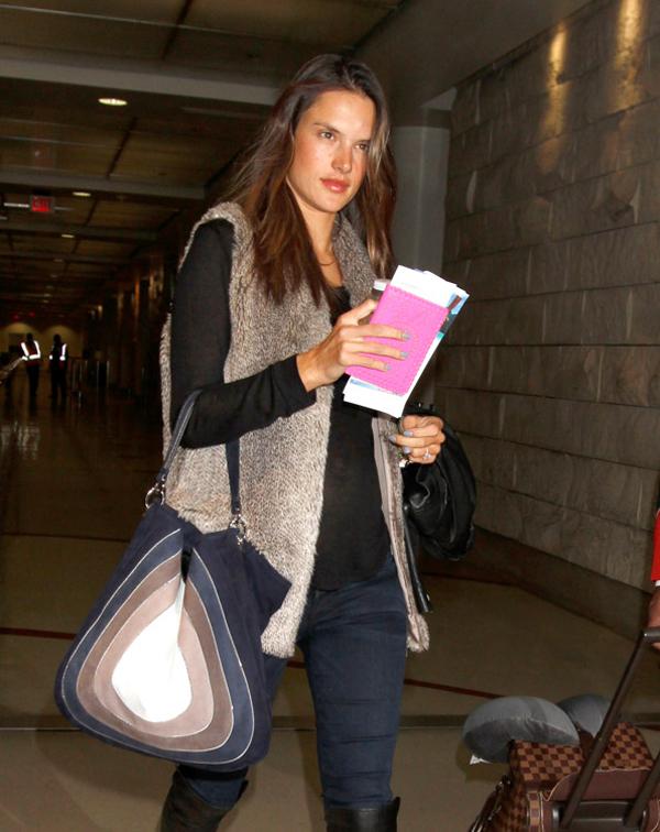 The Many Bags of Alessandra Ambrosio 9 Sve torbe: Alessandra Ambrosio