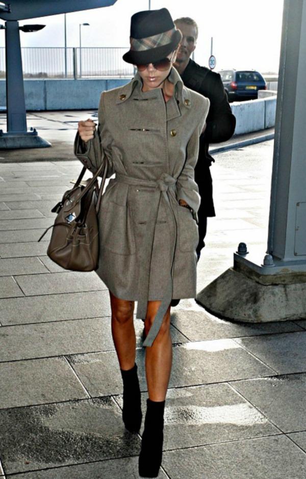 Victoria Beckham 10 One to nose ovako: Šeširi