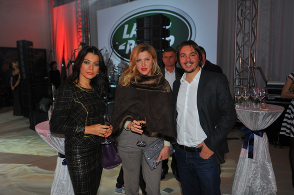 Zarko SakanBiljana Cincarevic sa prijateljicom Otvoren ekskluzivni Land Rover i Jaguar salon u Beogradu