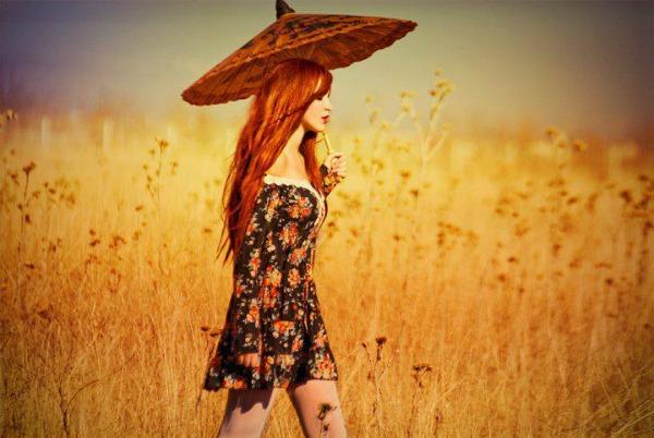 Zitno polje i kosa Crtanje pomoću svetlosti: Fotograf Metin Demiralay