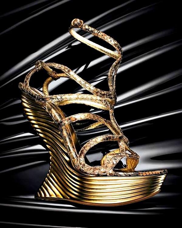 Zlatne platforme Alexander McQueen Modna opsesija dana: Platforme Alexander McQueen