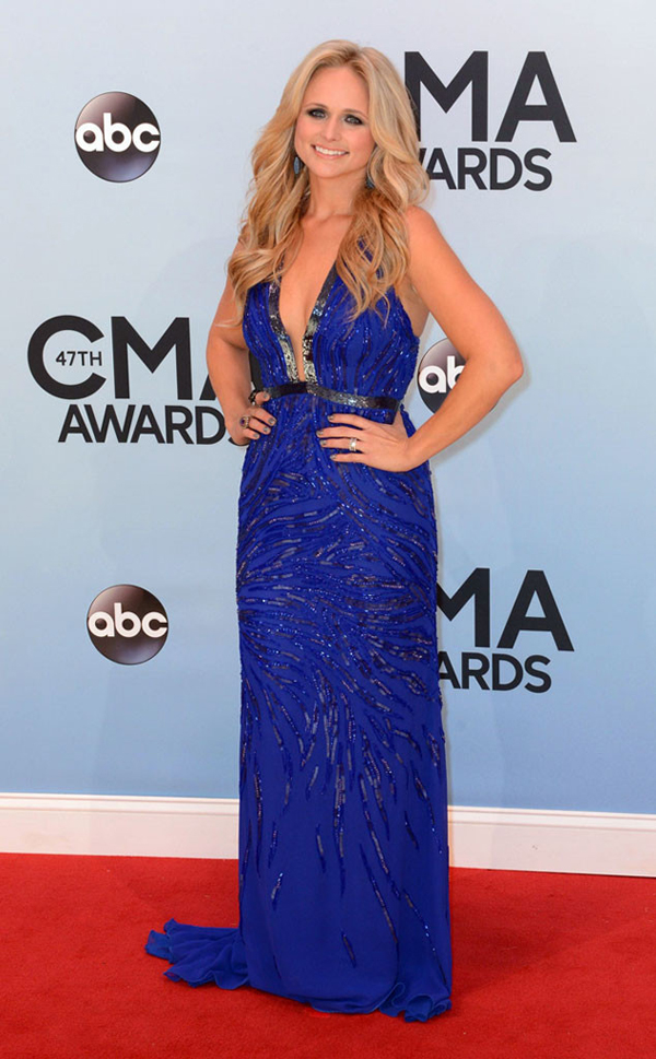 rs 634x1024 131106170127 634.lambert.cm .11613 Fashion Police: CMA Awards 2013