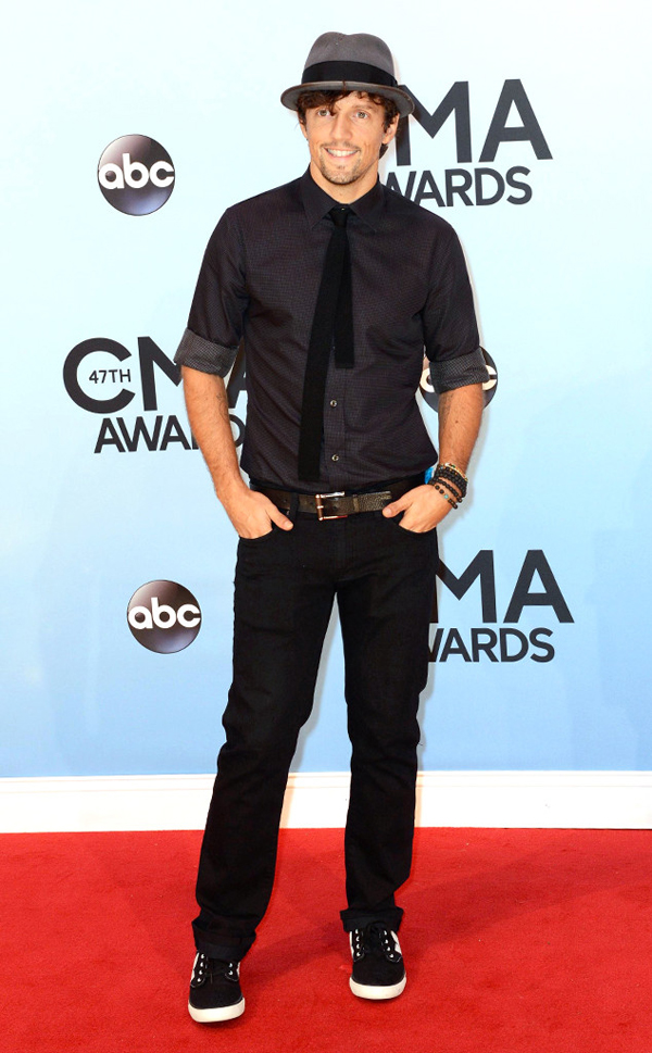 rs 634x1024 131106170935 634.Jason Mraz CMA Nashville.ms .110613 Fashion Police: CMA Awards 2013