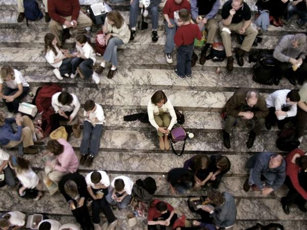 usamljenost Ili kidaš i boriš se ili ćutiš i ne postojiš