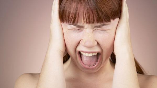 אישה ייאוש כעס תסכול 620x350 Lekovita tišina