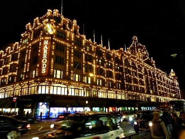 06 soping Harrods Lokacije u Londonu koje morate posetiti tokom božićnih i novogodišnjih praznika