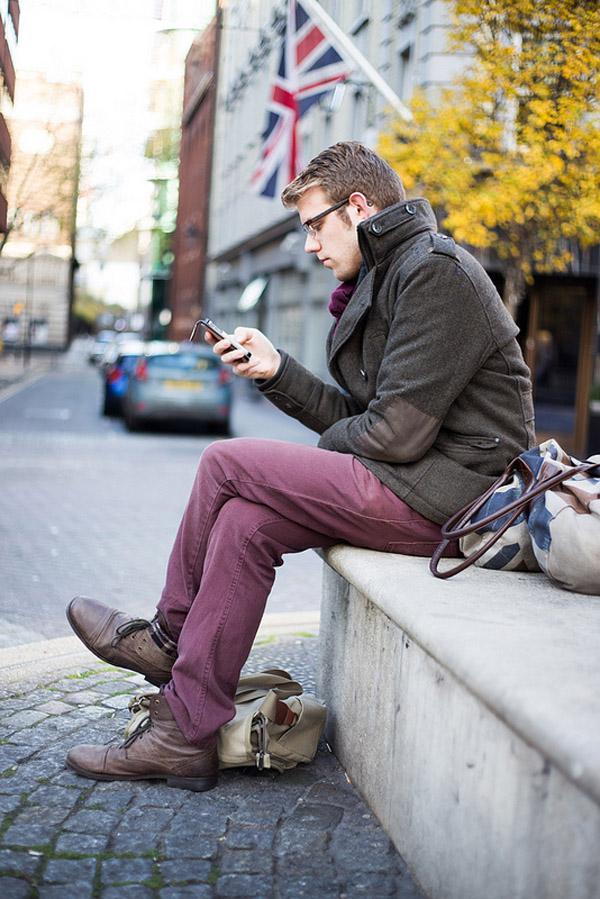 11298680445 65551112a2 c Street Style: Moderni momci šetaju ulicom