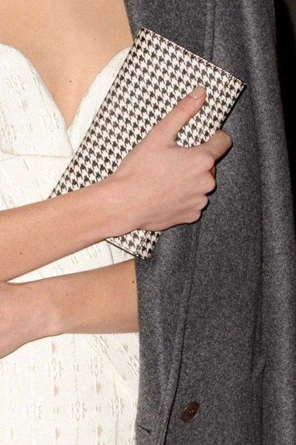 AlexaChungClutch British Fashion Awards 2013: Beauty i aksesoari