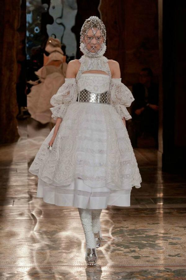 Alexander McQueen2 Jesenji trend: Upečatljivi detalji