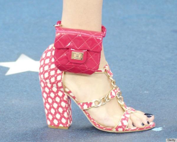 Chanel sandale torbica 12 Chanel proizvoda koje Coco Chanel ne bi odobrila