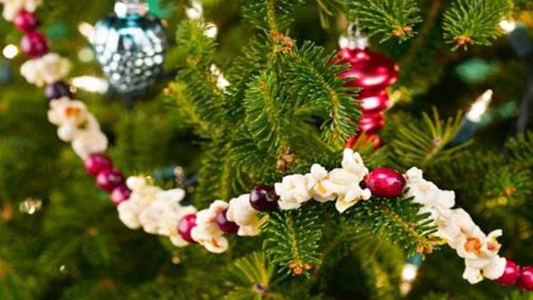 Girlanda od kokica i brusnice Šuma u vašem domu: Novogodišnja dekoracija