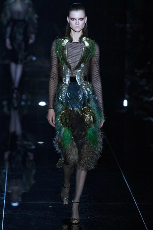 Gucci boje Sa krilima od perja u avanturu želja
