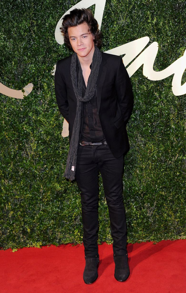 Harry Styles attends the British Fashion Awards 2877004 Fashion Police: British Fashion Awards 2013