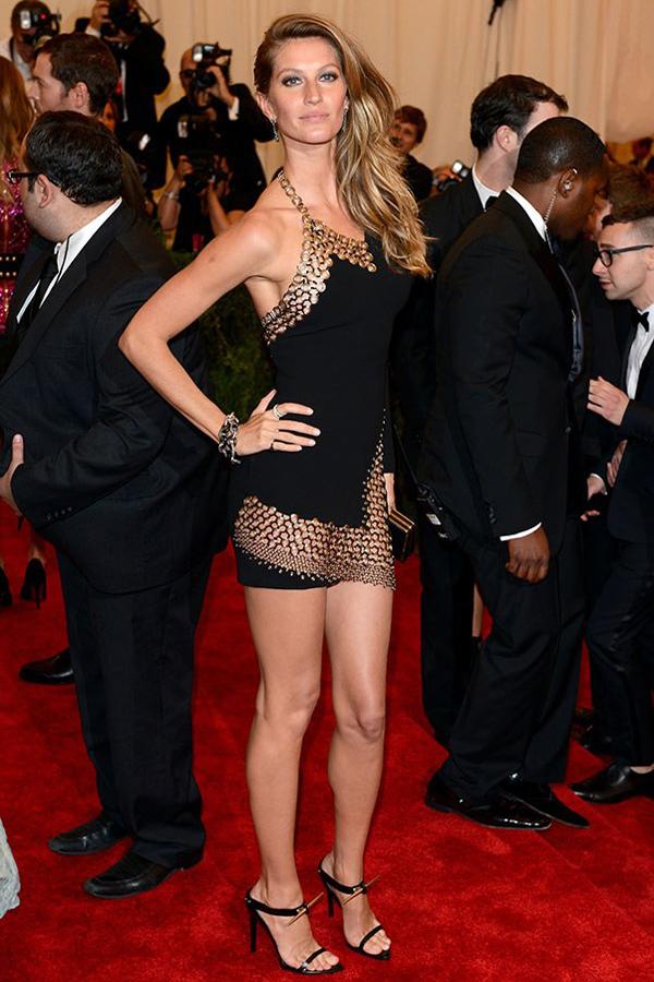 ImageGen 1 10 najlepših crnih haljina 2013. godine