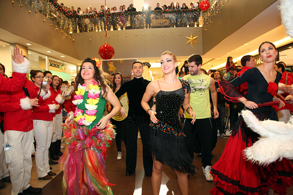 Karneval na otvaranju USCE Strak Carobnog grada Lena Kovačević svečano otvorila kapije Ušće Štark Čarobnog grada