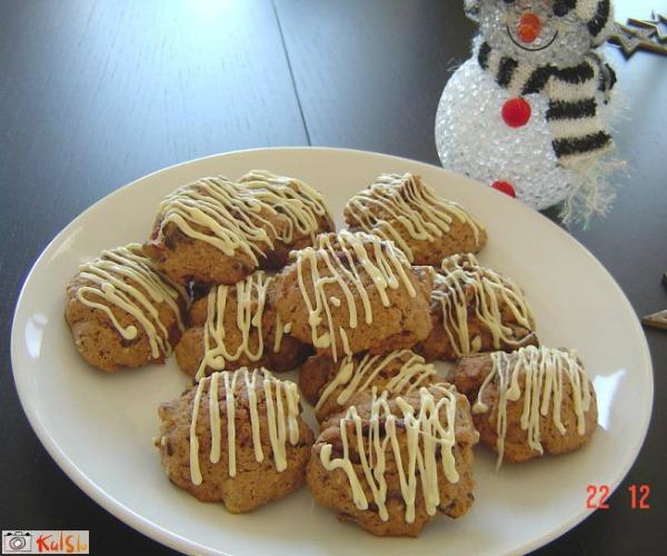 Keksici sa belom cokoladom Ukusne poslastice: Božićni keksići