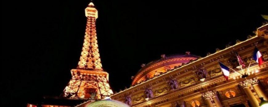 Lokacije u Parizu koje morate posetiti tokom božićnih i novogodišnjih praznika