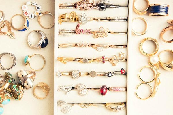 Miranda ker kolekcija prstenja Miranda Kerr kakvu do sada niste videli i njen ormar
