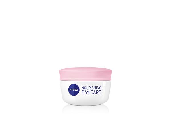NIVEA aqua effect Nourishing day care Nivea: Prirodna ulja za zimu