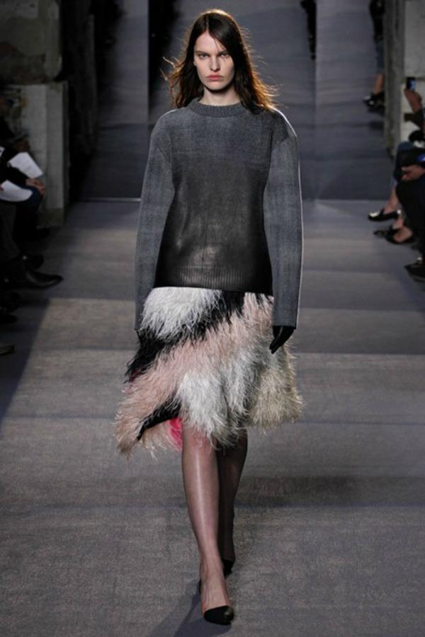Proenza Schouler suknja Sa krilima od perja u avanturu želja