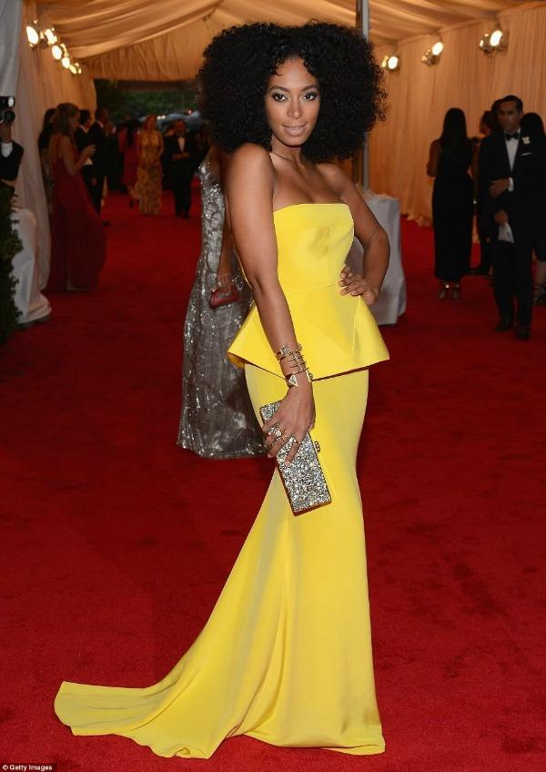 Solenge Knowles 4 Trend sa crvenog tepiha: Žute haljine