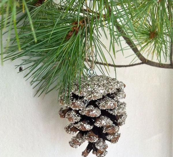 Srebrnkasta sisarka na bor Šuma u vašem domu: Novogodišnja dekoracija