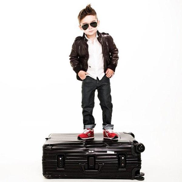a 4x 1 Nova ikona stila: Petogodišnji dečak postao zvezda na Instagramu