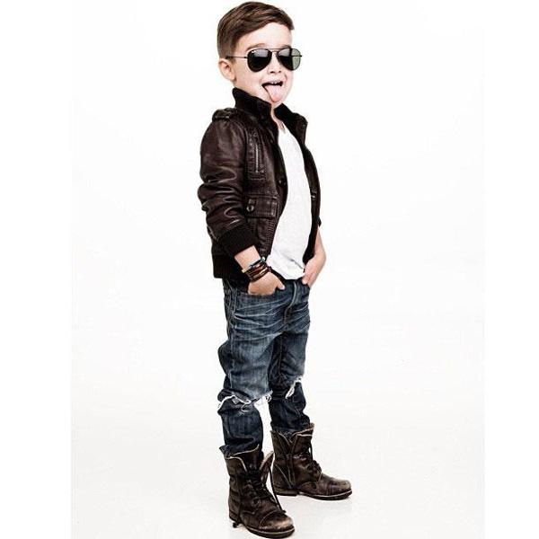 a 4x 4 Nova ikona stila: Petogodišnji dečak postao zvezda na Instagramu