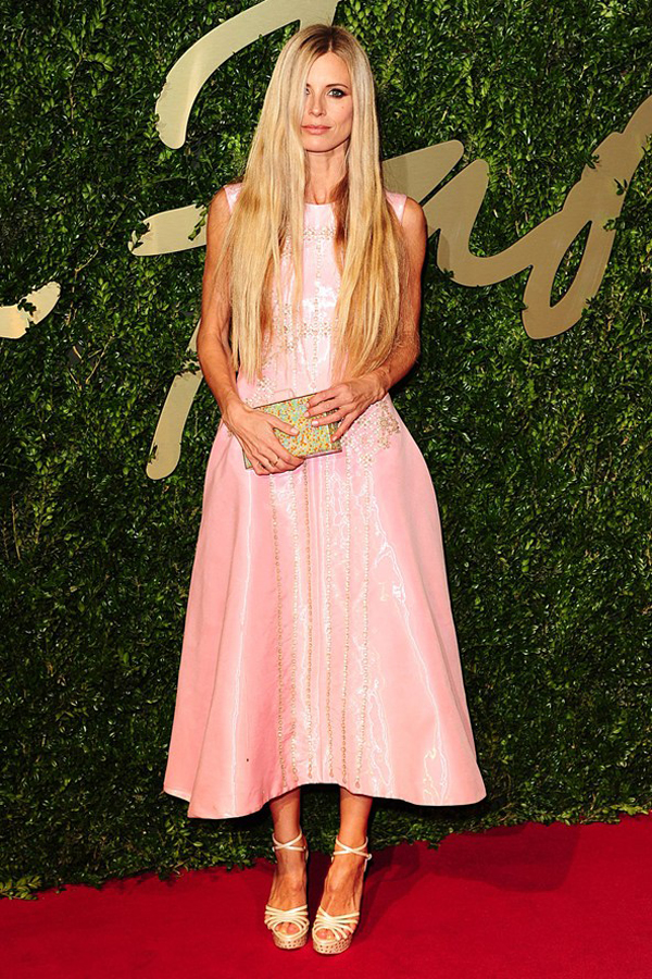 laura bailey vogue 2dec13 pa b 592x888 Fashion Police: British Fashion Awards 2013
