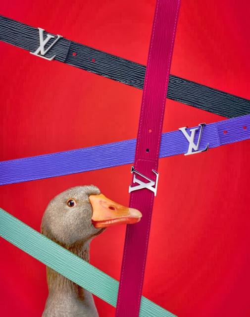 louis vuiton dung vit thay nguoi mau chup hinh quang cao 1 Louis Vuitton: Praznični katalog