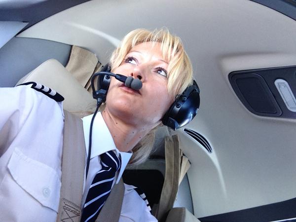 1 Danijela Miletic Prve žene piloti u Air Serbia