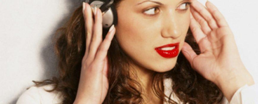 """Deset pesama koje """"ulaze"""" u uši"""