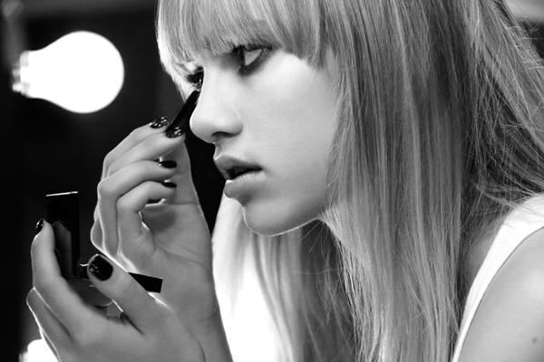 Burberry rhythm 8 Vogue 27Jan14 pr b 1440x960 Beauty i Burberry inspiracija: Suki Waterhouse