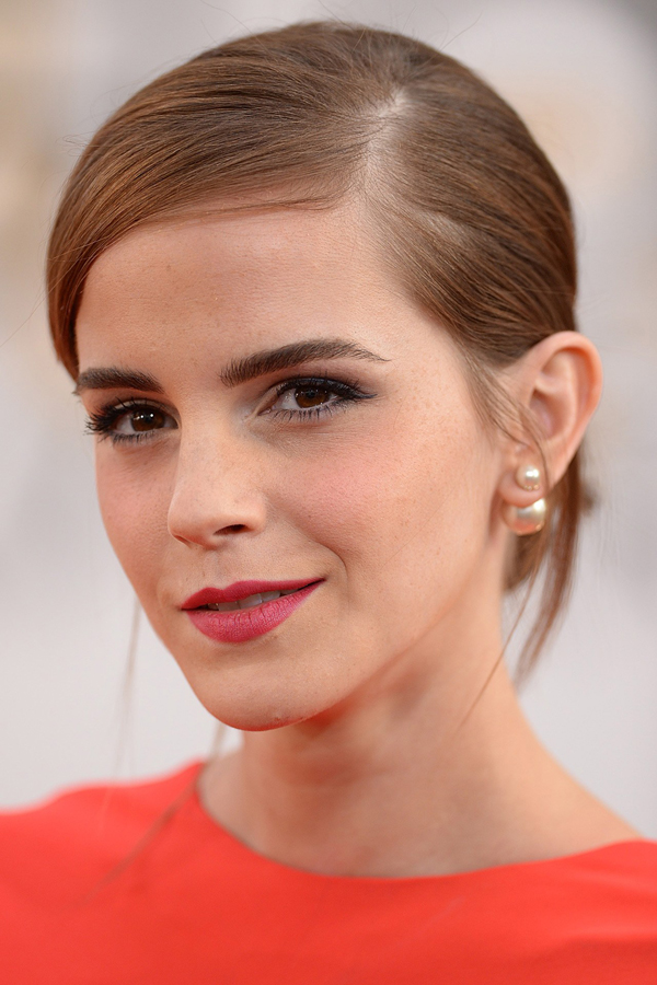 Emma Watson glamour 12jan14 pa b 1 Beauty trendovi: Golden Globe 2014