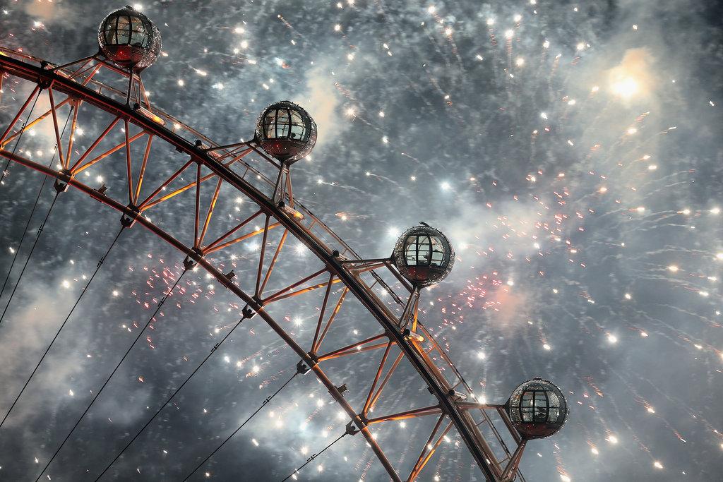 Fireworks filled sky beside London Eye England 1 Najbolje fotografije sa dočeka Nove godine širom sveta