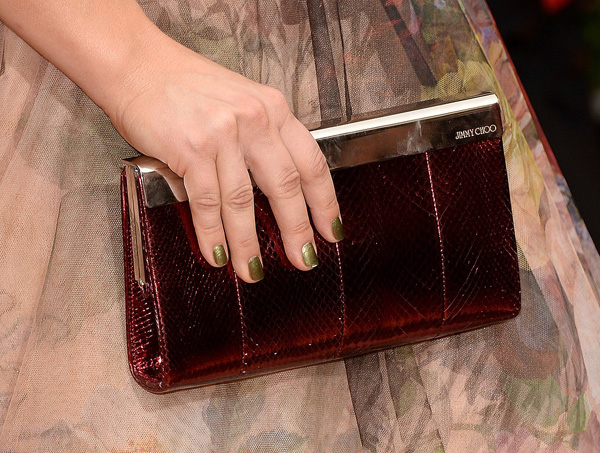 Kaley Cuoco Golden Globes 2014: Najlepši manikir