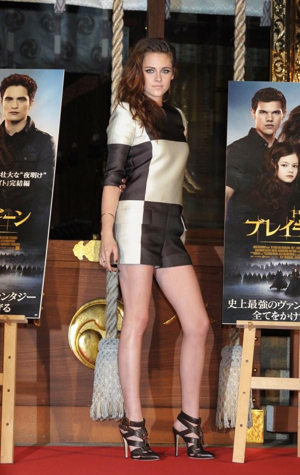 Kristen Stewart 8 10 odevnih kombinacija: Kristen Stewart